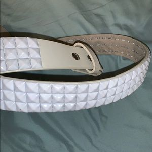 White studded belt (triple stud)